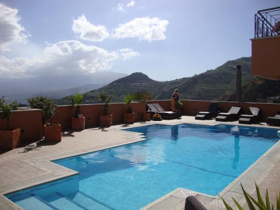 Villa Barone - Luxury B&B: View from the swimming pool