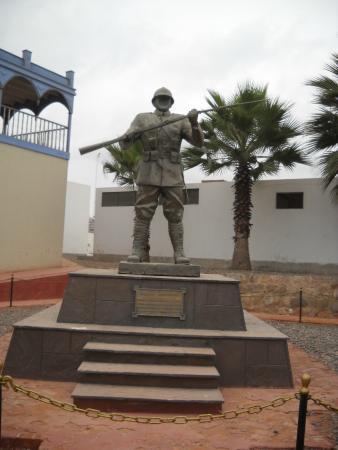 Callao, Peru: Monumento al soldado desconocido.
