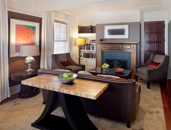 The Heathman Hotel: Living Room in Grand Suite