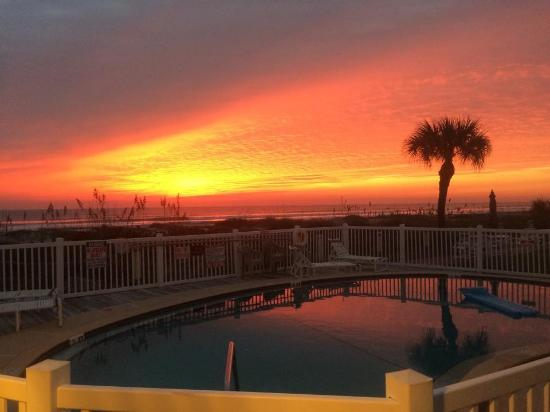 Beach Island Resort: perfect sunrise photo