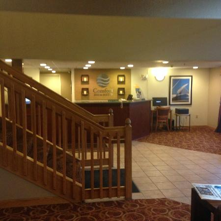 Comfort Inn & Suites: Recepcao