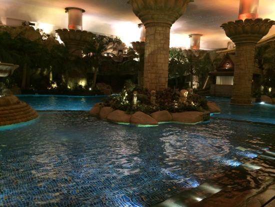 Front of the hotel at night picture of grand hyatt beijing beijing tripadvisor for Grand hyatt beijing swimming pool