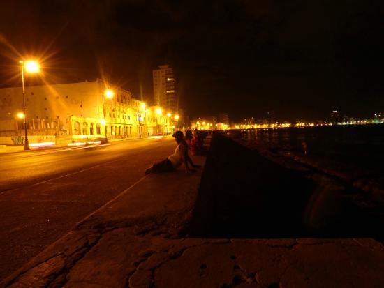 Malecon De Noche Picture Of El Malecon Havana Tripadvisor