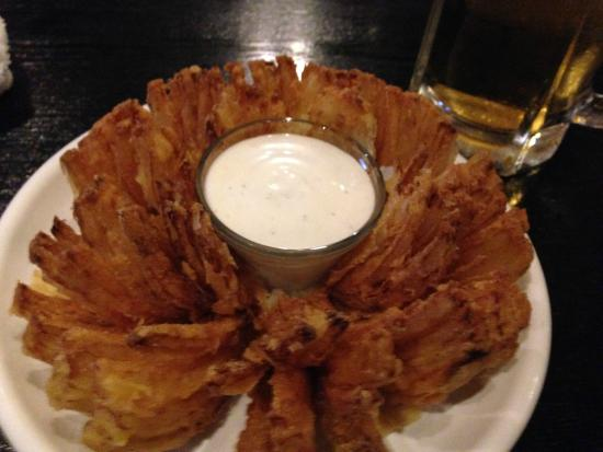 Mt. Fuji Hostel Michael's: downstairs restaurant food, after living in Japan for 2 years finding a blooming onion was amazi