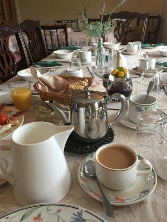 San Juan Guesthouse: Table set up