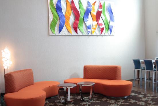 Holiday Inn Express Rocklin - Galleria Area: Lobby