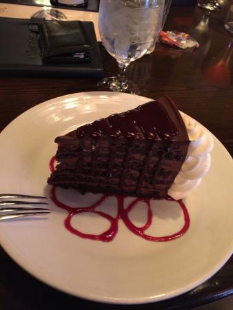 Jake's Restaurant : The chocolate layer cake rocks