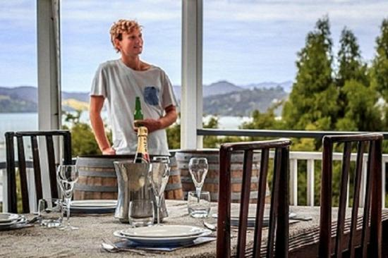 Marlin House Bed & Breakfast: Alfresco Dining at its best