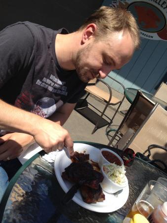 Apple Valley BBQ: Yummy