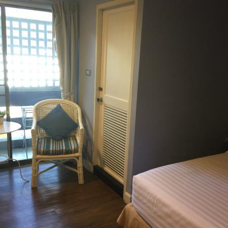 Hotel Alley Hua Hin: Centralt närma tåg, strand och nattmarknad. Stort rum rent trevlig personal
