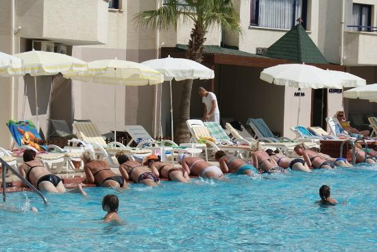 Club Sun Heaven : Аквааэробика