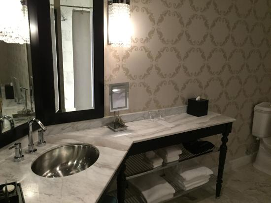 Interior - The Nines, a Luxury Collection Hotel, Portland Photo