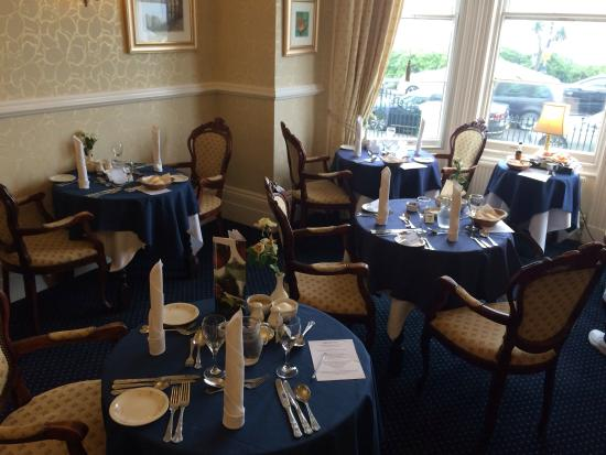 St. Kilda Hotel: St.Kildas front dining room