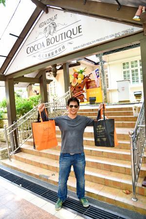 Cocoa Boutique: หน้าร้านซ๊อกโกแลต