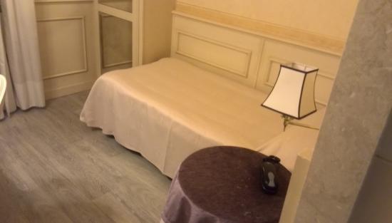 Hotel San Luca: ベットルーム