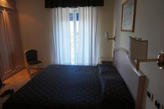 Sant Alphio Garden Hotel & Spa: Bed