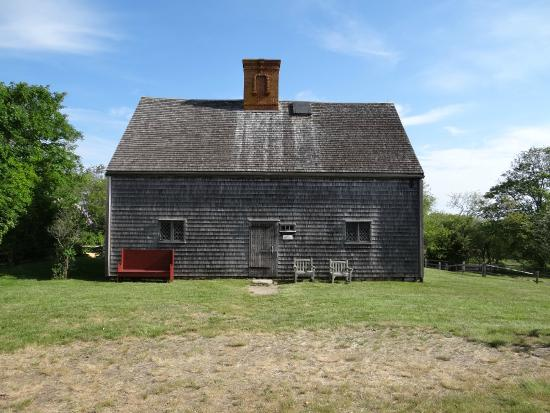 Oldest House (Jethro Coffin House) : The Oldest House on Sunset Hill