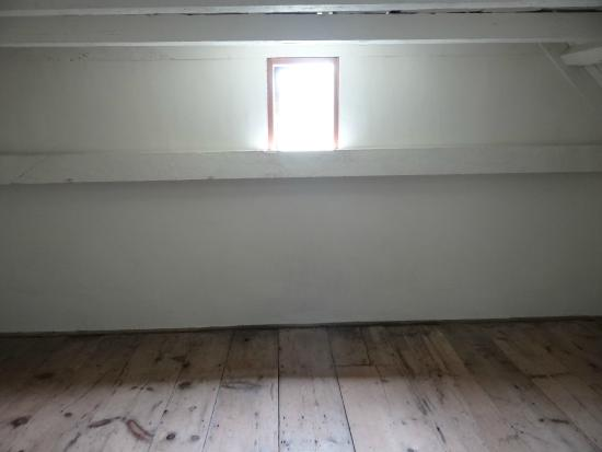 Oldest House (Jethro Coffin House) : The 2nd floor Room-grownup children