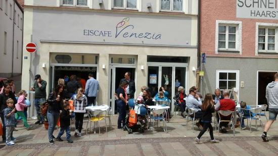 Eis Cafe Venezia