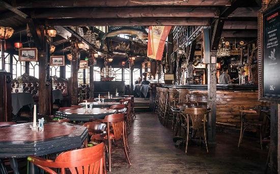 Christopher Columbus Restaurant : Columbus wnętrz