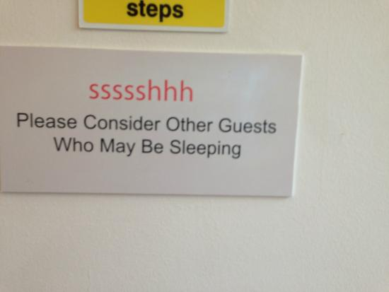 Terrace Lodge Hotel Yeovil: If only they adhered to their own signs!