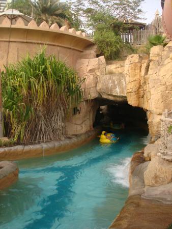Wild Wadi Water Park: Relaxing river