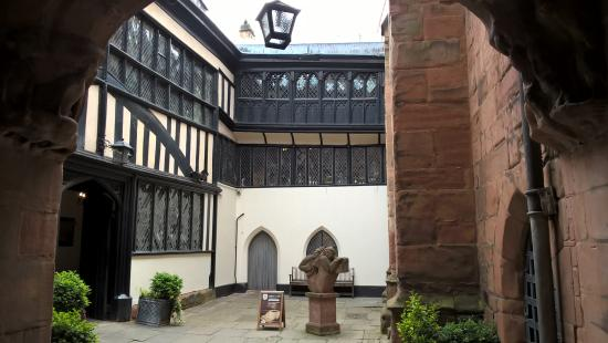 Coventry, UK: Courtyard
