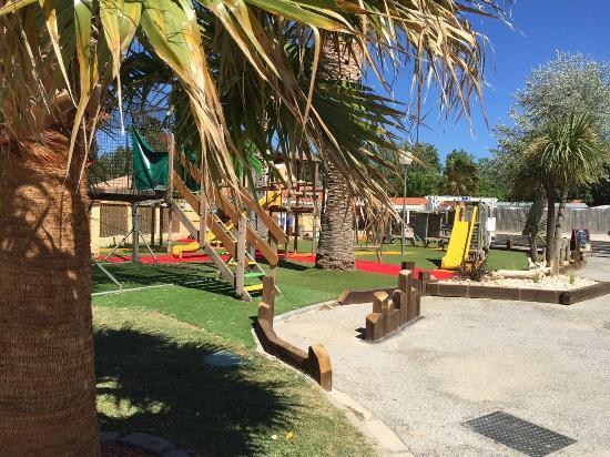 Camping les jardins catalans campground reviews price comparison argeles sur mer france - Les jardins catalans argeles sur mer ...