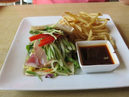 The Cowfish Sushi Burger Bar: The 4-S (Sear-iously Sensational Sushi