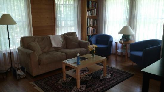 Dyke, VA: Living room