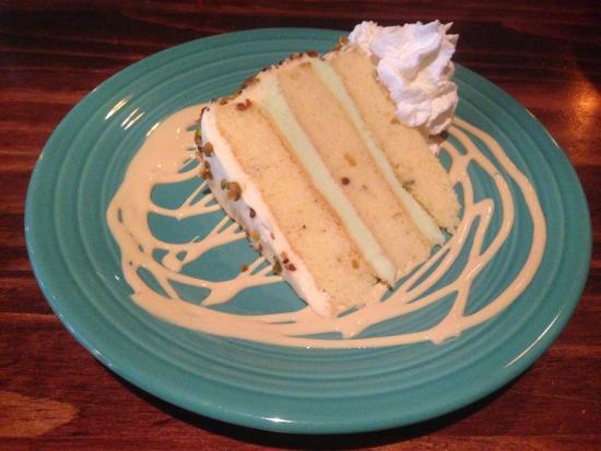 Wunderbar Bistro: Pistachio Cake