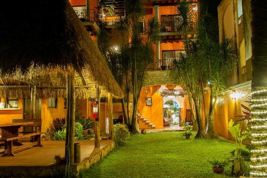 Hotel Lunata: Palapa Jardín