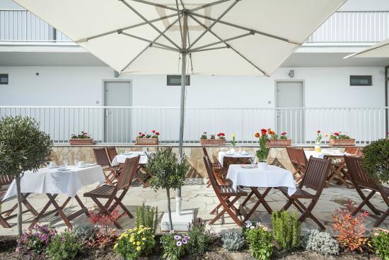Apartamentos Marfina: Terraza