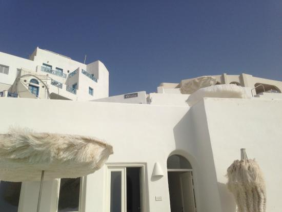 ‪the White, Santorini‬