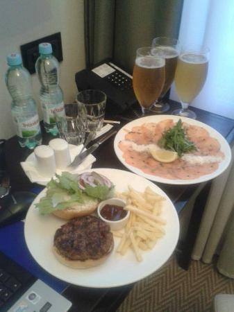 Grand Hotel: Room service was good for a night in