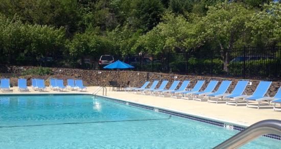 Hyatt Place Boston/Braintree: Outdoor seasonal pool