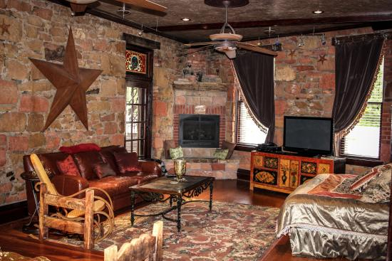 FlatIron Historic Sandstone Inn : Suite #7