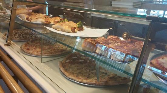 Alfredo Pizzeria: The BEST Pizza!!