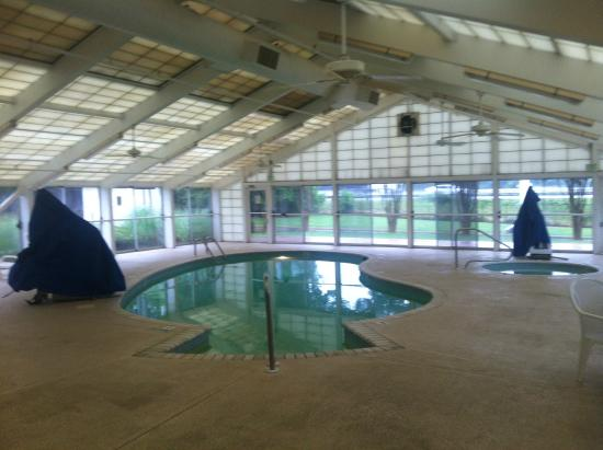 Country Inn & Suites By Carlson, Beckley: pool