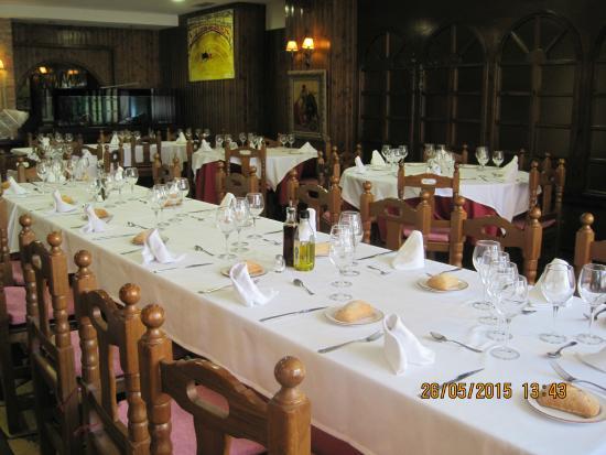 La tertulia taurina zaragoza restaurant reviews phone for Luxury hotel zaragoza