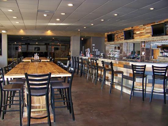 Quality Inn & Suites: Cassidy's Bar