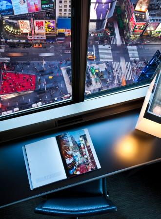 W New York - Times Square: Cool Corner Room View