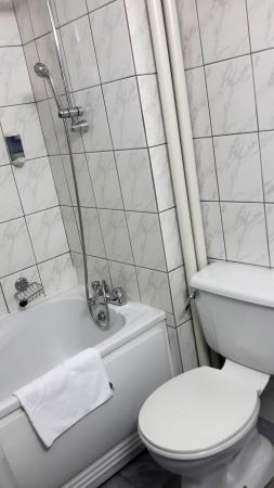 Continental Tirgu Mures: ванная комната
