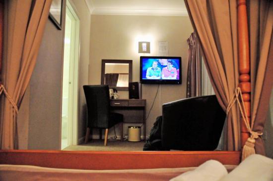 Battleborough Grange Country Hotel & Restaurant: Bedroom