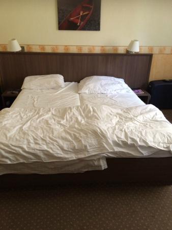 Hotel Ostruvek : Opmaak van de bedden, dag 4