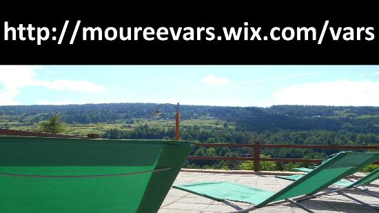 Gite La Mouree: Vue terrasse plein sud