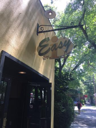 Easy on i - Bar and Grill