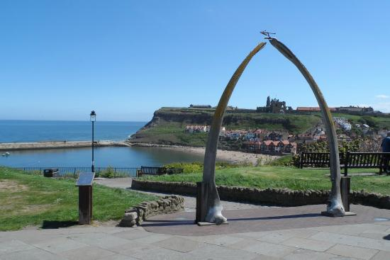 Boulmer Guest House: WHITBY