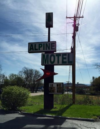 Alpine Motel: Motel Sign