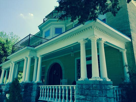The Phillips Place - UPDATED 2017 B&B Reviews (Macon, MO ...